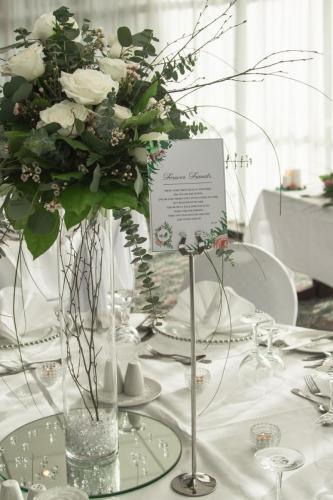 Wedding flowers Glendalough Hotel
